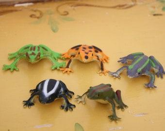 Vintage lot miniature frogs, plastic.