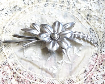 """1940s  Orig. sterling silver flowers / floral brooch / pin hallmark """"Taylord sterling"""