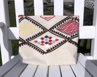 Embroidered Zipper Bag