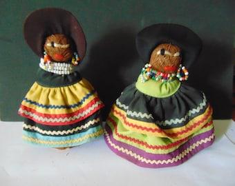 2 Vintage folk art dolls - primitive