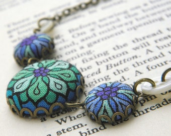 Stained Glass Daisy, Fabric Covered Button Necklace
