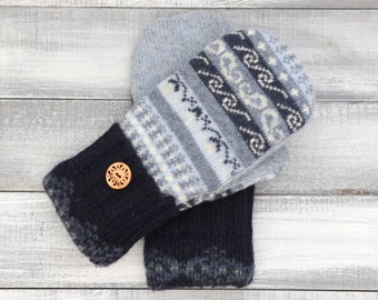 Sweater mittens, recycled sweater mittens, blue mittens, womens mittens, Fleece-lined mittens, upcycled sweater, wool mittens, winter mitten