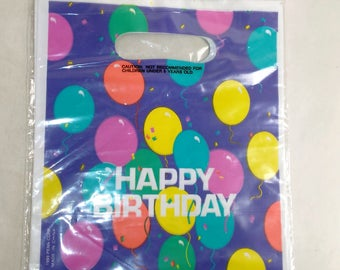 8 Plastic Party Favor Bags/Happy  Birthday On Front/New (R)