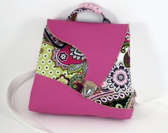 Flower Pink strap flap bag apostrophe