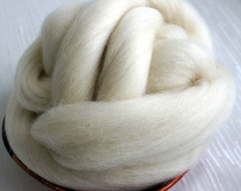 SALE Felting or Spinning wool Natural White Texel Top Wool Roving - Undyed - Dyeable Roving for Spinning and Felting - 4 oz