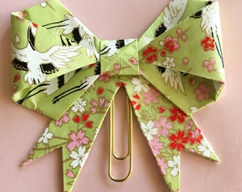Handcrafted paper bow clip for planner