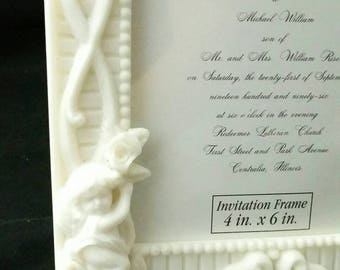 Picture Frame Angel Wilton Wedding or Memorial White Bisque Faux Icing Style for 4x6 photo Religion Bride and Groom Home Decor