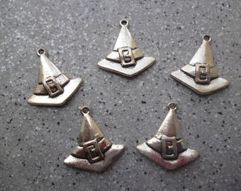 5 witches, Halloween party in silver metal caps