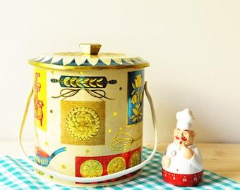 Vintage 1950s Homestead Biscuit Barrel Baret Ware -  Shabby Chic - Cottage Chic