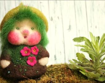 MOSS dwarf finger puppet