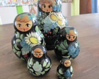 Vintage Matryoshka Nesting Dolls In Blue 5 in Set