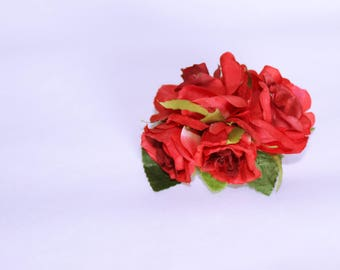 Small silk bordeaux red roses hair flowers on french barette clip // flower arrangement // pin up // valentines // bridal flower clip