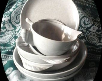 1950s Vintage Designer Dinnerware, Fashioned of Melmac for Colorflyte by Branchell