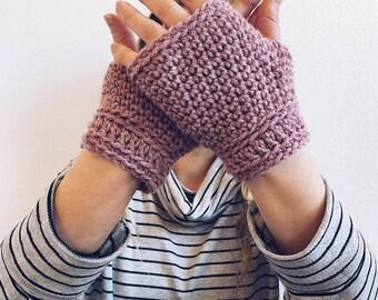 Fingerless Gloves in BLUSH