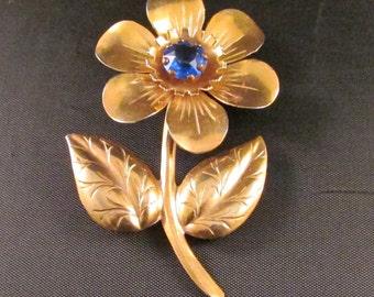 Brooch Metal Gold Flower with Blue Center Brooch Flower Power True Vintage