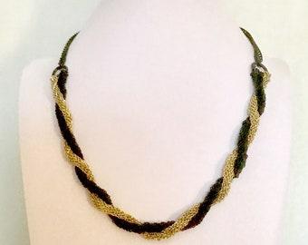 Vintage Multi-Chain Black and Gold Twist Necklace   GJ3007
