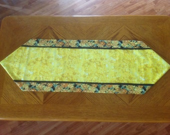 Yellow Black Sunflower Daisy Table Runner