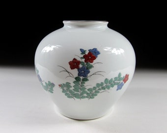 Small Arita-ware Vase with Bellflower Design