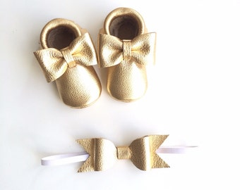 The J'dore Gold  bow moccasin - metallic baby moccasins, leather baby moccasins, baby moccs, leather moccasins, gold moccasins, baby shoes