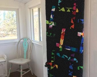 Modern quilt, throw quilt, black quilt, handmade quilt, made in Canada