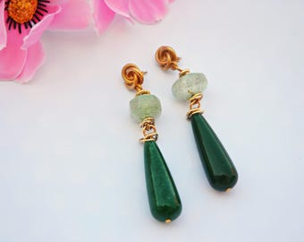 Green pendant earrings ideal to wear on the day of the wedding vows, gift idea for Mother the mother-in-law or best friend