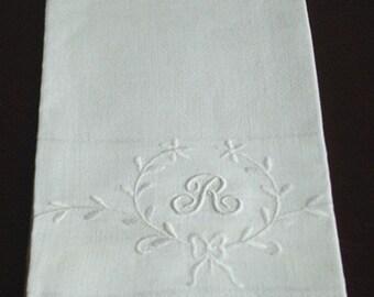 Vintage Monogram Huck Hand Towel Hand Monogrammed R Fleur de Lis Eyelets Bow on Linen Huck Towel