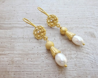 Gold Plated Pearl Earrings Pearls and Metal