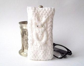 Snow White Owl Glasses Case. Eyeglasses Case. Sunglasses Case. Eyeglasses Holder. Sunglasses Holder. Knit Glasses Case.
