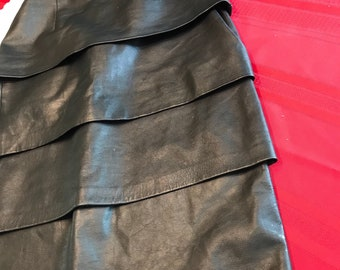 Vintage tiered black leather skirt size small 90s style