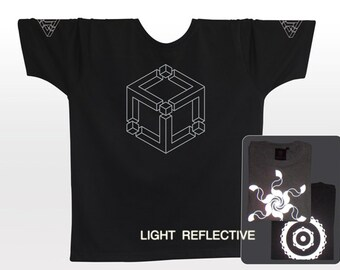 Cube . Optical Illusion T-shirt . light reflective silver print . crop circle . Festival Clothing . Burning Man . Goa . Steampunk . bicycle