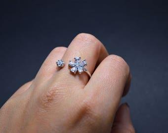 Ajustable flower ring