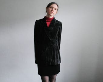 Vintage L/UK12 black velvet blazer