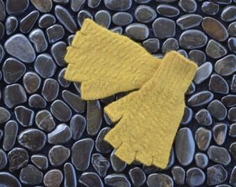 Olive Green Angora Gloves, Green Half Finger Gloves, Small, Green Fingerless Gloves, Naturally Dyed Angora Gloves, Olive Green Gloves, PGS