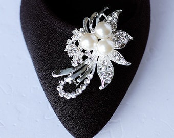 SALE Bridal Shoe Clips Pearl Crystal Rhinestone Shoe Clips Wedding Party (Set of 2) SC036LX