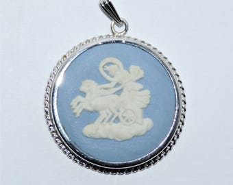 Vintage Wedgwood Signed & Hallmarked Cameo Sterling Silver Pendant