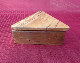 Keepsake box, jewelry box, bandsaw box, handcrafted cherry box