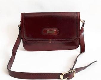 1980's vintage bag chestnut brown bag vintage leather bag shoulder bag ladies vintsge bag  80's shoulder bag brown leather bag