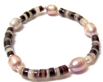 Brown Pen Shell and Mocha Freshwater Pearl stretch Bracelet SIZE 7 Inches