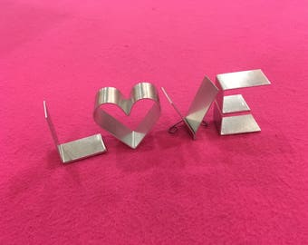 """Metal letters freestanding-mini 2"""" LOVE HOME HOPE with letter O or heart shape!"""