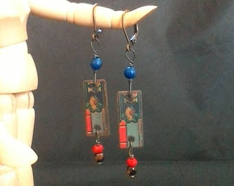 Celestial Seasonings vintage tin dangle earrings have a gold flower, green leaves, red, blue & chocolate bead accents! Great Art Deco vibe!