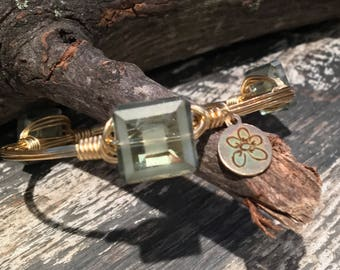 Bourbon & Boweties Inspired Wire Bracelet.  Sage Green Etched Square Faceted Vintage Style Beaded Bracelet.