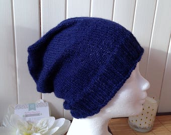 Woman in 100% alpaca slouchy Beanie, Navy Blue