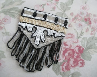 Vintage 1920s Flapper Glass Beaded Silk Ruched Small Pouch Purse Black & White