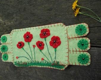 Flower Fiber Art, Flower Embroidery, Red Poppies, Poppy Coffee Coaster, Mug Rug