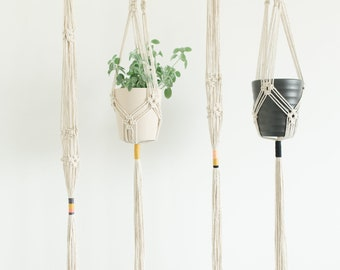 Handmade Macrame Plant Hanger//Boho Plant Hanger//Home Decor//Textile Art//Macrame