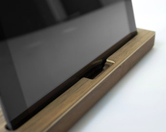 iPad holder wood - Walnut