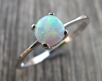Weisser Opal Ring - Opal Ring Silber stapelbar Oktober Birthstone Ring - Sterling Silber böhmische Ring - einfache Opal Boho Ring-Opal Schmuck