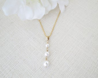 Graduated pearl pendant wedding necklace, Simple pearl drop necklace, Swarovski pearl jewelry, Gold bridal necklace, Bridesmaid necklace