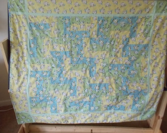 Crib quilt,, yellow, green, blue