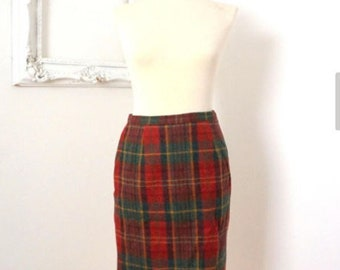 Vintage Red and Green Plaid Wool Skirt Women Sz 5/6